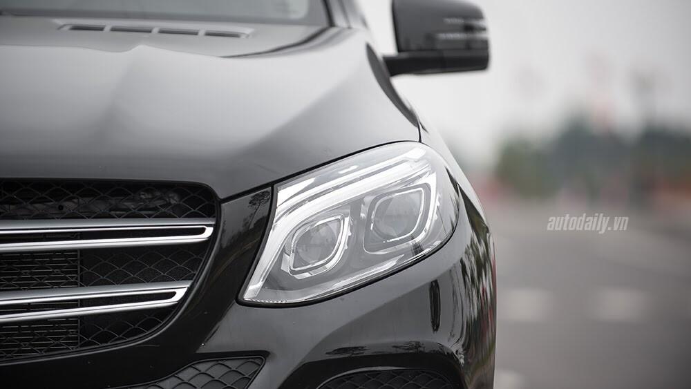 Đánh giá Mercedes-Benz GLE400 4Matic: Bước chuyển mình ngoạn mục - Hình 7