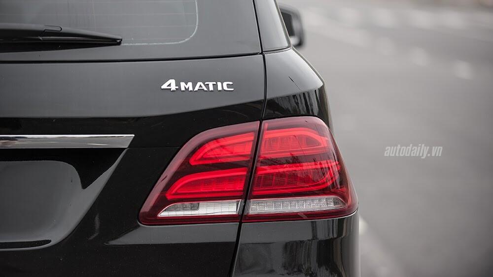 Đánh giá Mercedes-Benz GLE400 4Matic: Bước chuyển mình ngoạn mục - Hình 8