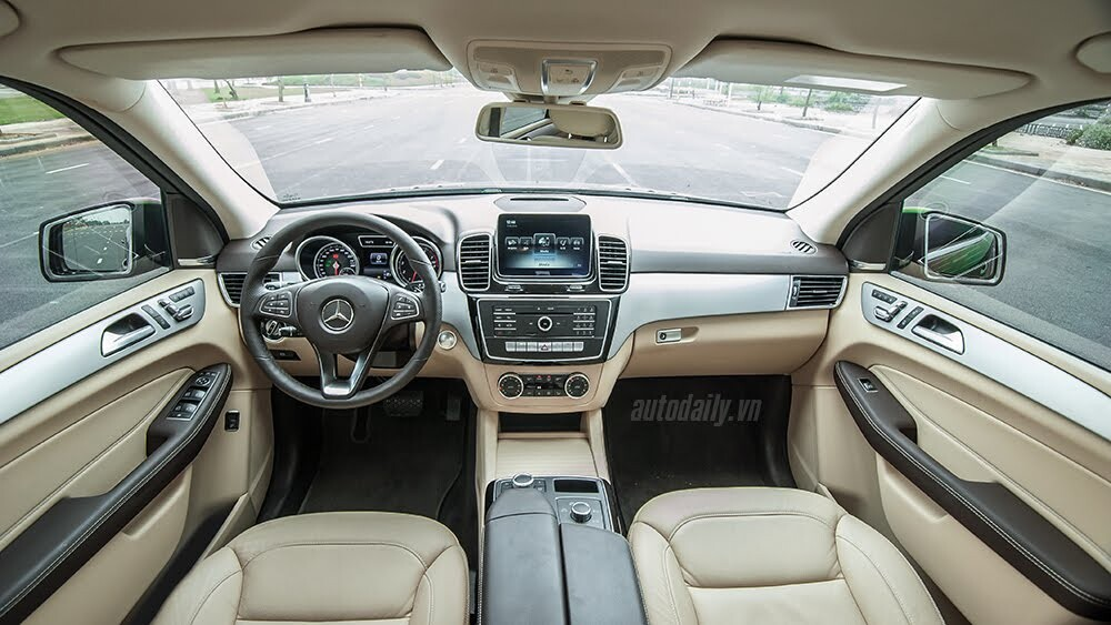 Đánh giá Mercedes-Benz GLE400 4Matic: Bước chuyển mình ngoạn mục - Hình 9