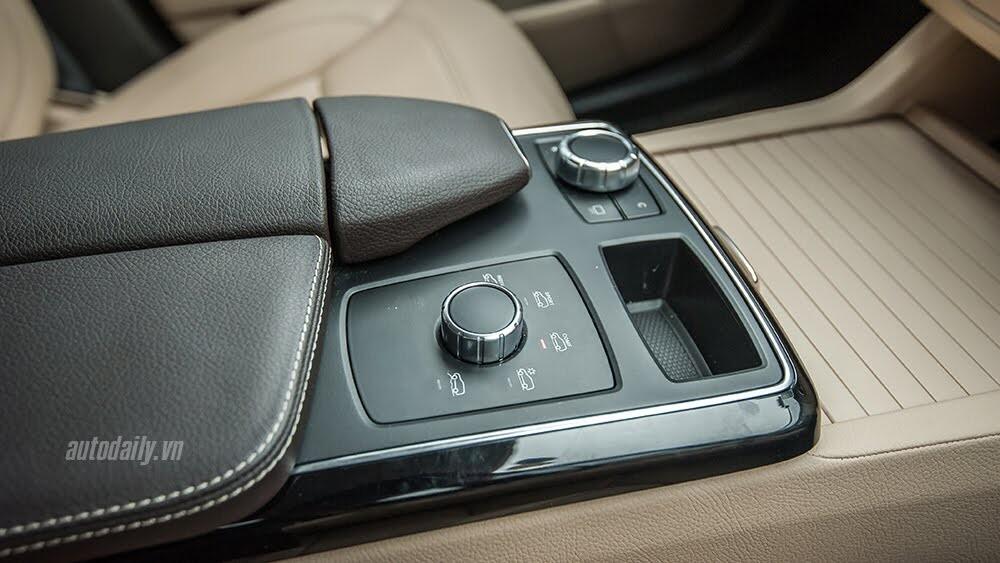 Đánh giá Mercedes-Benz GLE400 4Matic: Bước chuyển mình ngoạn mục - Hình 14