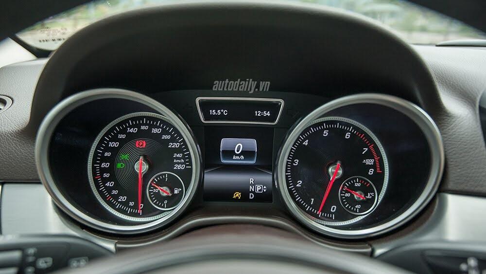 Đánh giá Mercedes-Benz GLE400 4Matic: Bước chuyển mình ngoạn mục - Hình 17