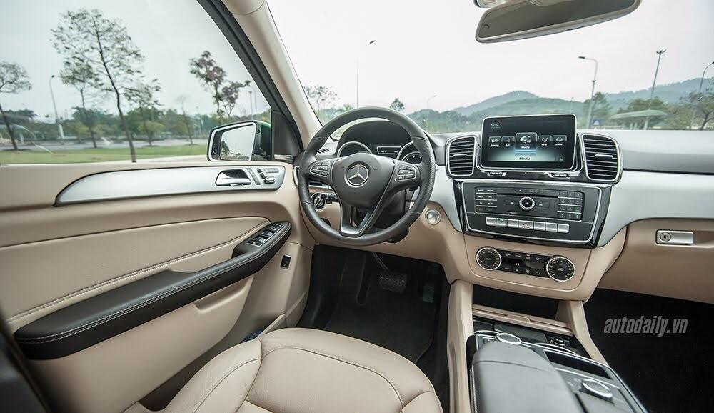 Đánh giá Mercedes-Benz GLE400 4Matic: Bước chuyển mình ngoạn mục - Hình 20