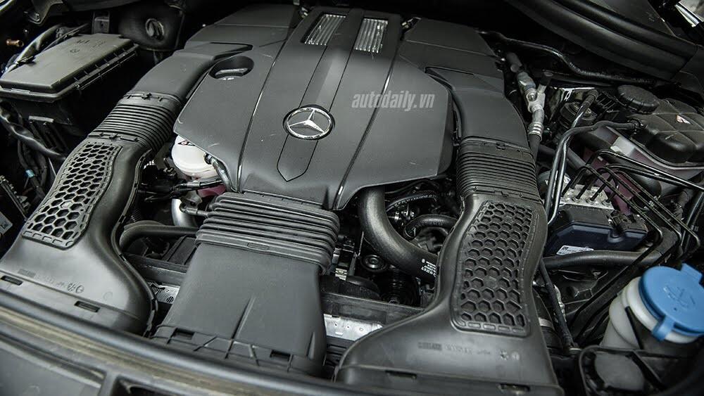 Đánh giá Mercedes-Benz GLE400 4Matic: Bước chuyển mình ngoạn mục - Hình 21
