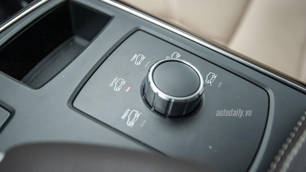 Đánh giá Mercedes-Benz GLE400 4Matic: Bước chuyển mình ngoạn mục - Hình 22