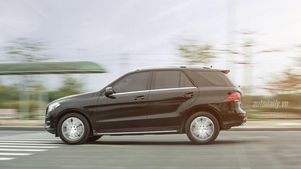 Đánh giá Mercedes-Benz GLE400 4Matic: Bước chuyển mình ngoạn mục - Hình 25