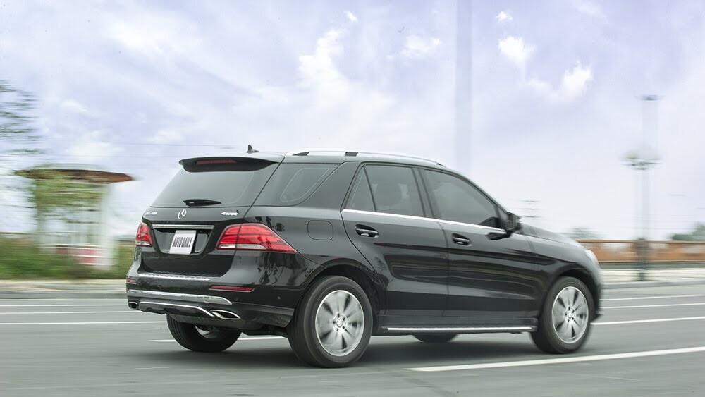 Đánh giá Mercedes-Benz GLE400 4Matic: Bước chuyển mình ngoạn mục - Hình 26