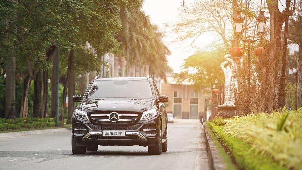 Đánh giá Mercedes-Benz GLE400 4Matic: Bước chuyển mình ngoạn mục - Hình 32