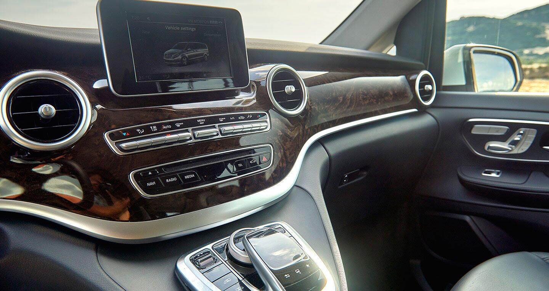 """Đánh giá Mercedes-Benz V220d – """"Ngôi nhà di dộng"""" cho khách hàng Việt - Hình 8"""