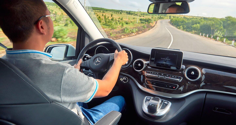 """Đánh giá Mercedes-Benz V220d – """"Ngôi nhà di dộng"""" cho khách hàng Việt - Hình 25"""