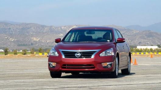 Đánh giá Nissan Teana 2.5SL - Hình 1