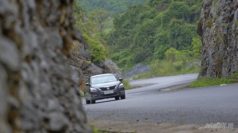 Đánh giá Nissan Teana 2.5SL qua hành trình 300km - Hình 9