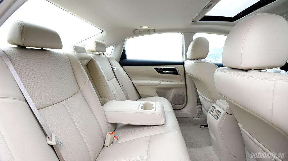 Đánh giá Nissan Teana 2.5SL qua hành trình 300km - Hình 17