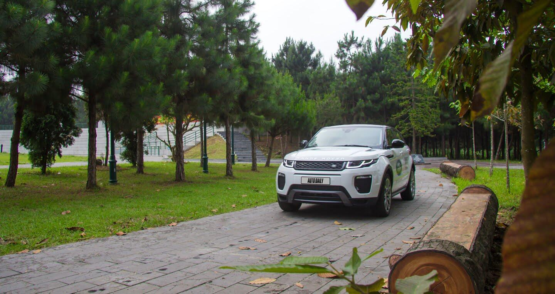 Đánh giá Range Rover Evoque 2016: Ngày càng sắc bén - Hình 21