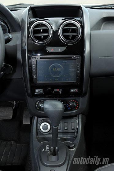 Đánh giá Renault Duster: SUV cho người thực dụng - Hình 9
