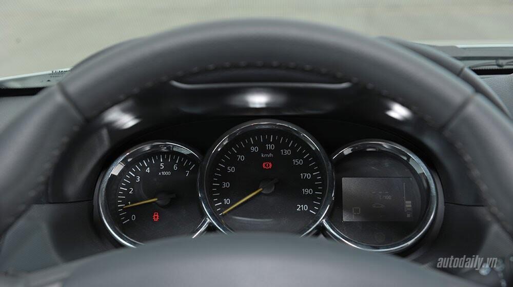Đánh giá Renault Duster: SUV cho người thực dụng - Hình 10