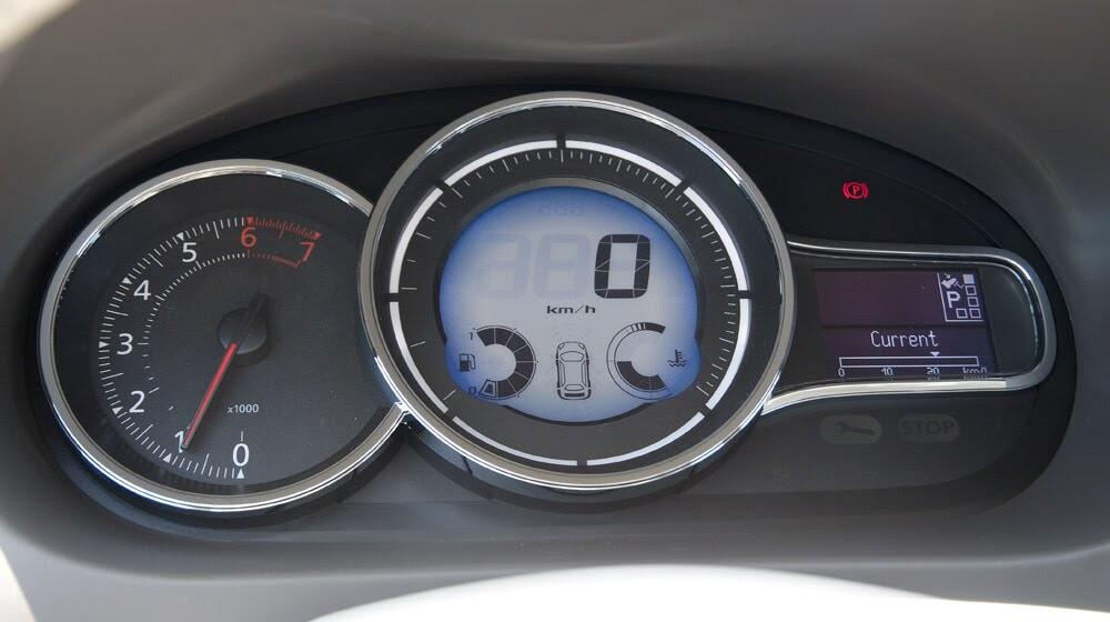 Đánh giá Renault Megane Hatchback 2015: Lựa chọn không tồi - Hình 7