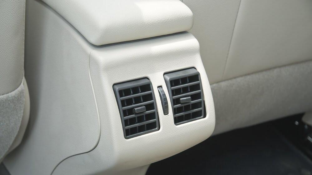 Đánh giá Renault Megane Hatchback 2015: Lựa chọn không tồi - Hình 9