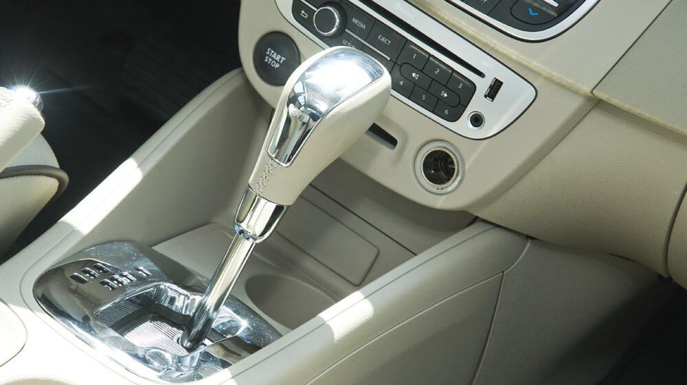 Đánh giá Renault Megane Hatchback 2015: Lựa chọn không tồi - Hình 13