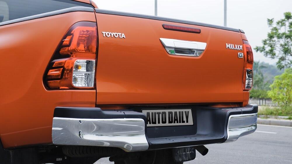 Đánh giá Toyota Hilux 3.0AT 2015: Vượt lên khái niệm xe bán tải - Hình 7
