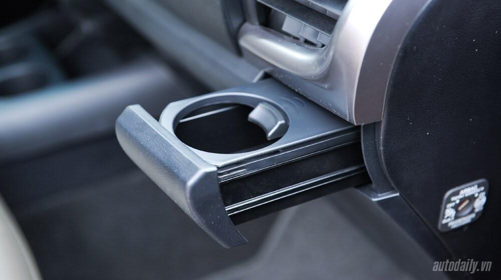 Đánh giá Toyota Hilux 3.0AT 2015: Vượt lên khái niệm xe bán tải - Hình 16