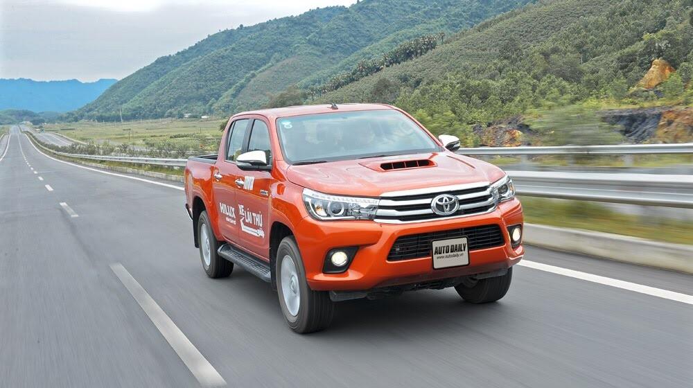Đánh giá Toyota Hilux 3.0AT 2015: Vượt lên khái niệm xe bán tải - Hình 17