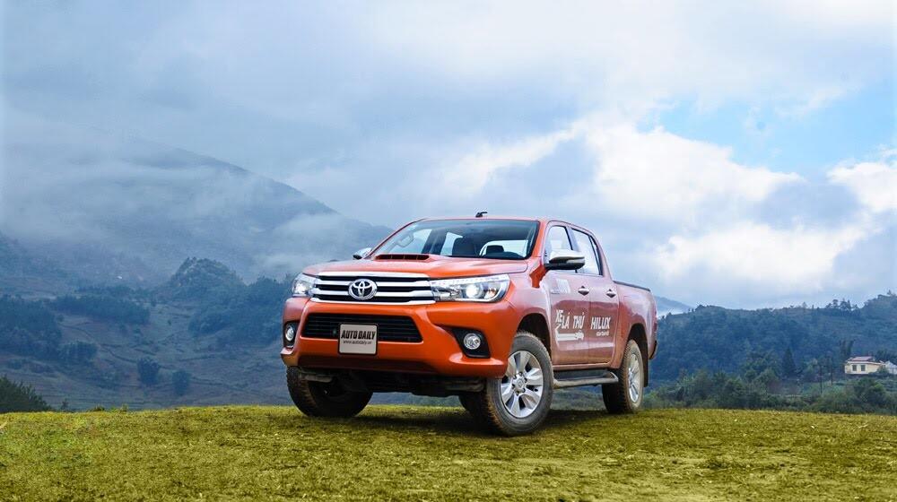 Đánh giá Toyota Hilux 3.0AT 2015: Vượt lên khái niệm xe bán tải - Hình 19