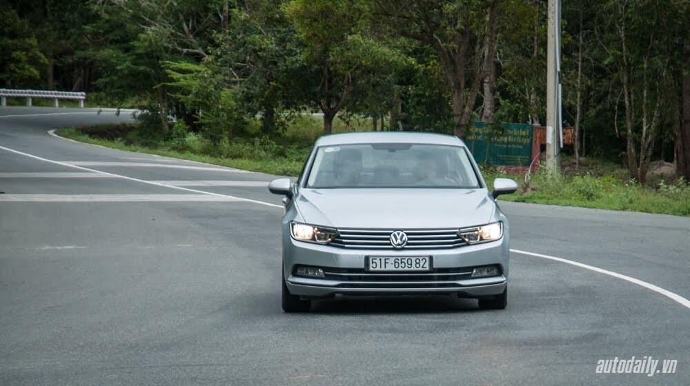 Đánh giá Volkswagen Passat 2016 – Sedan hạng D cho người trẻ - Hình 9
