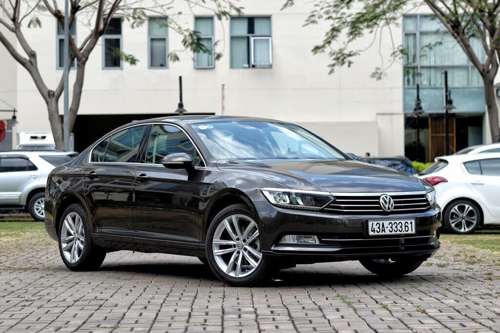 Đánh giá Volkswagen Passat Bluemotion: Hợp với khách trung tuổi - Hình 1