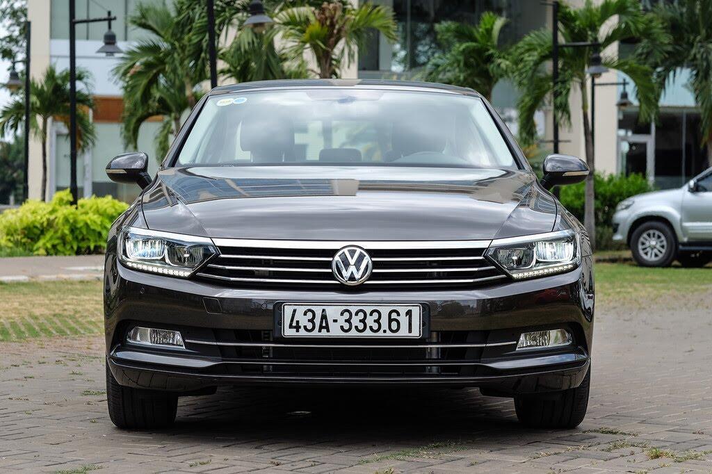 Đánh giá Volkswagen Passat Bluemotion: Hợp với khách trung tuổi - Hình 2