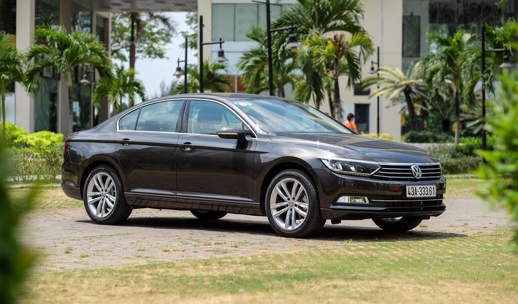 Đánh giá Volkswagen Passat Bluemotion: Hợp với khách trung tuổi - Hình 7