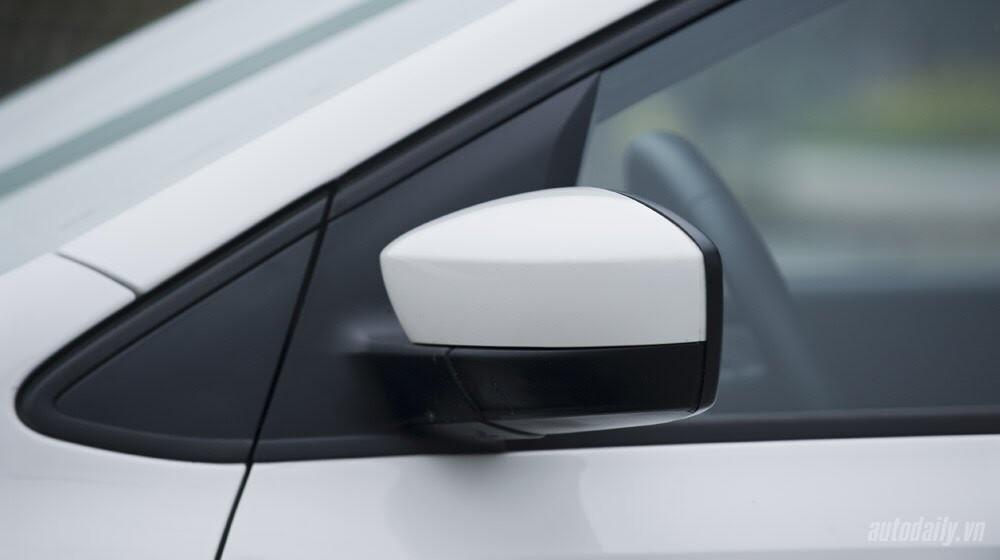 """Đánh giá Volkswagen Polo: Sedan đậm """"chất"""" Đức - Hình 4"""