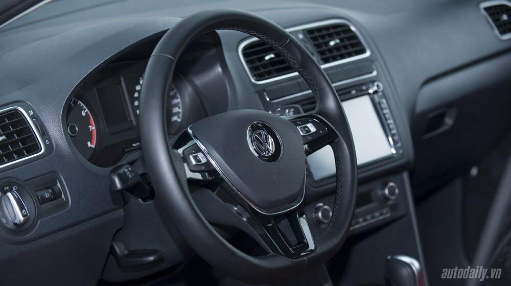 """Đánh giá Volkswagen Polo: Sedan đậm """"chất"""" Đức - Hình 7"""