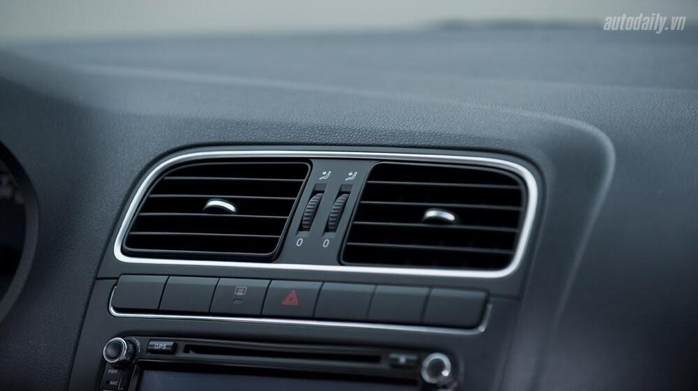 """Đánh giá Volkswagen Polo: Sedan đậm """"chất"""" Đức - Hình 8"""