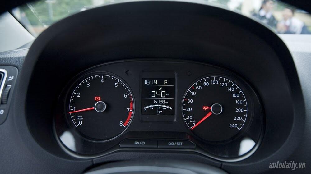 """Đánh giá Volkswagen Polo: Sedan đậm """"chất"""" Đức - Hình 9"""