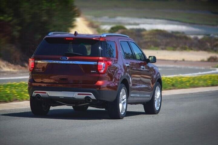 """Đánh Giá Xe Ford Explorer 2016 - mạnh mẽ và """"siêu"""" tiết kiệm nhiên liệu - Hình 7"""