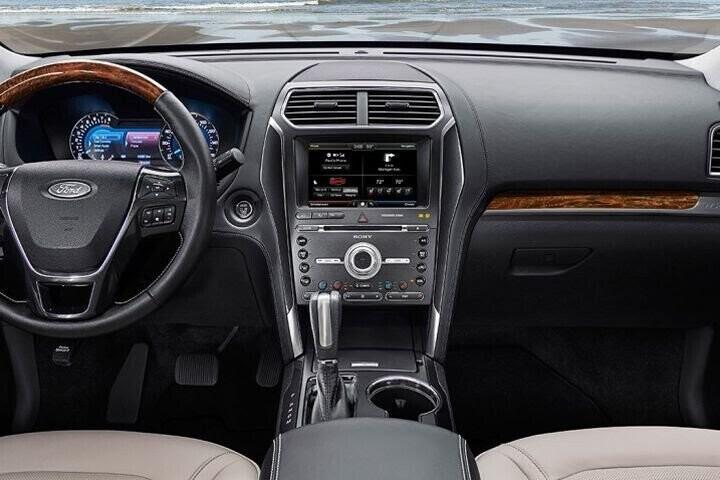"""Đánh Giá Xe Ford Explorer 2016 - mạnh mẽ và """"siêu"""" tiết kiệm nhiên liệu - Hình 11"""