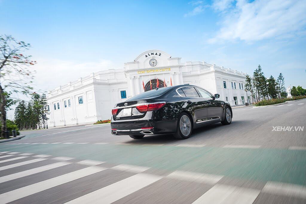 Đánh Giá Xe Kia Quoris 2017 - Bước chân vào lãnh địa xe sang - Hình 25