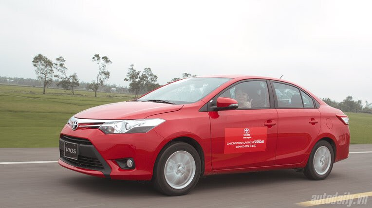 Đánh giá xe nhỏ Toyota Vios 2014 - Hình 9