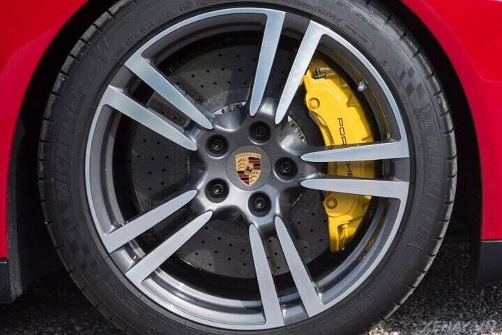 ĐÁNH GIÁ XE Porsche Panamera 2016 - Cải tiến mới, tùy chọn mới dành cho khách hàng - Hình 32