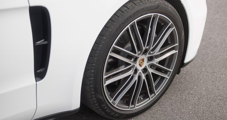 Đánh giá xe Porsche Panamera 4S 2017: Cỗ máy đẳng cấp - Hình 3