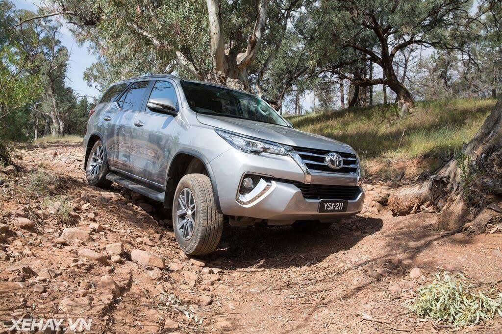 [ĐÁNH GIÁ XE] Toyota Fortuner 2016 - xe gia đình nhưng off-road cực đỉnh - Hình 22