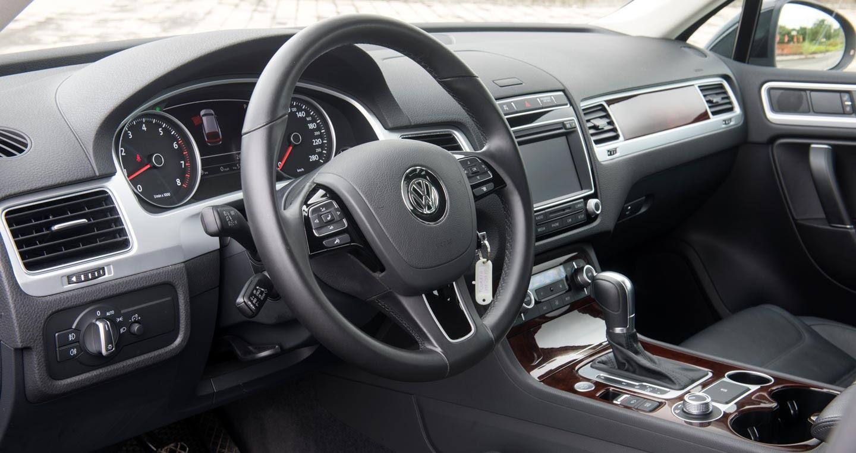 Đánh giá xe Volkswagen Touareg 2016: Riêng một lối đi - Hình 8