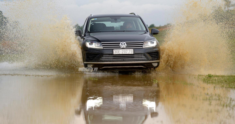 Đánh giá xe Volkswagen Touareg 2016: Riêng một lối đi - Hình 16