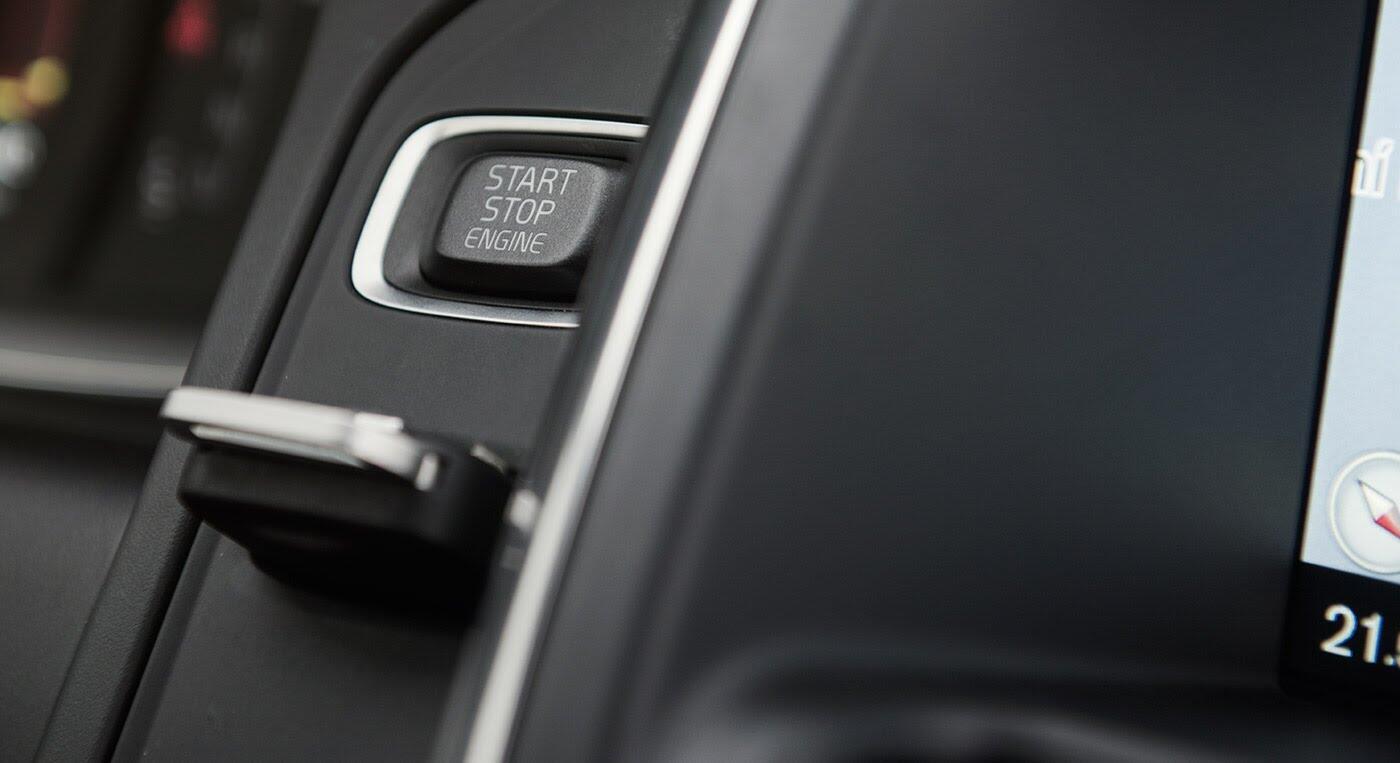 Đánh giá xe Volvo XC60 R-Design: Chuẩn mực xe an toàn - Hình 6