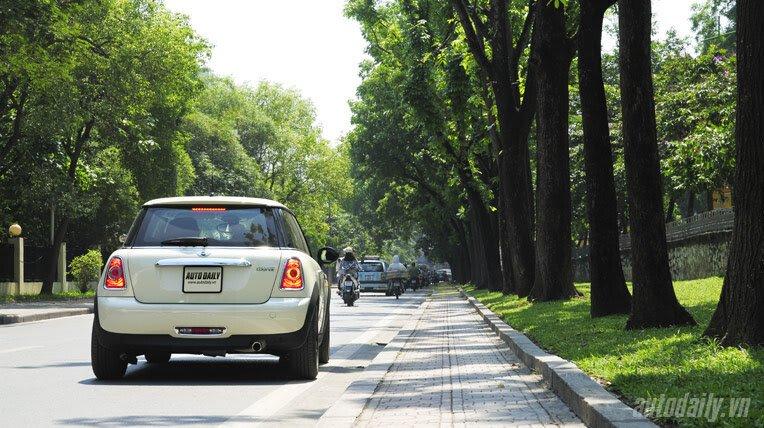 Dạo phố cùng MINI Cooper Baker Street - Hình 4