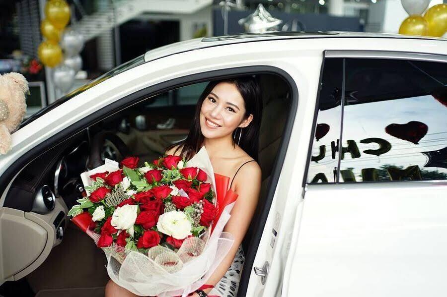 Diễn viên trẻ Milan Phạm chi hơn 1,7 tỷ đồng để rước Mercedes-Benz C 250 về dinh - Hình 1