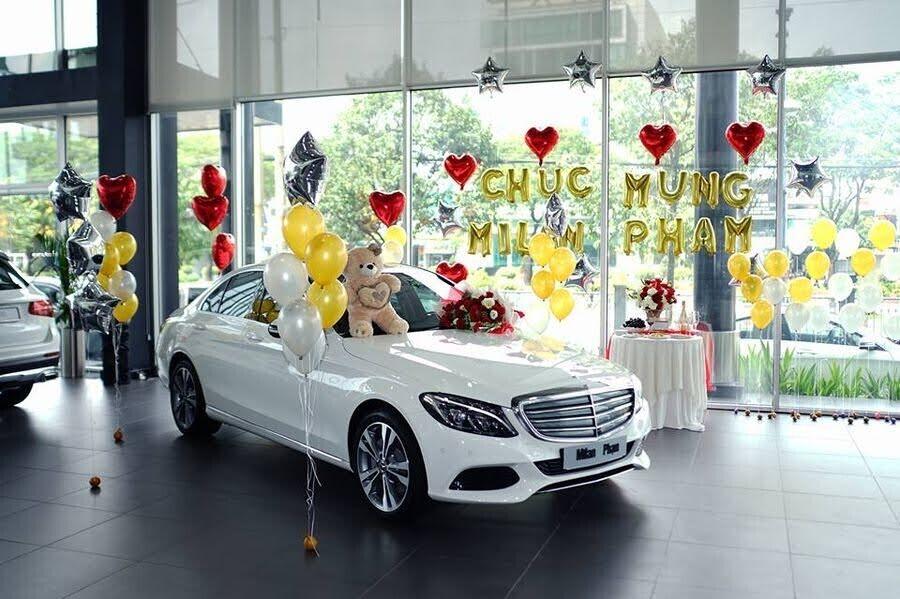 Diễn viên trẻ Milan Phạm chi hơn 1,7 tỷ đồng để rước Mercedes-Benz C 250 về dinh - Hình 2