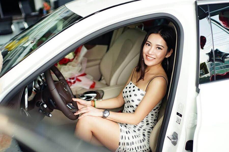 Diễn viên trẻ Milan Phạm chi hơn 1,7 tỷ đồng để rước Mercedes-Benz C 250 về dinh - Hình 4