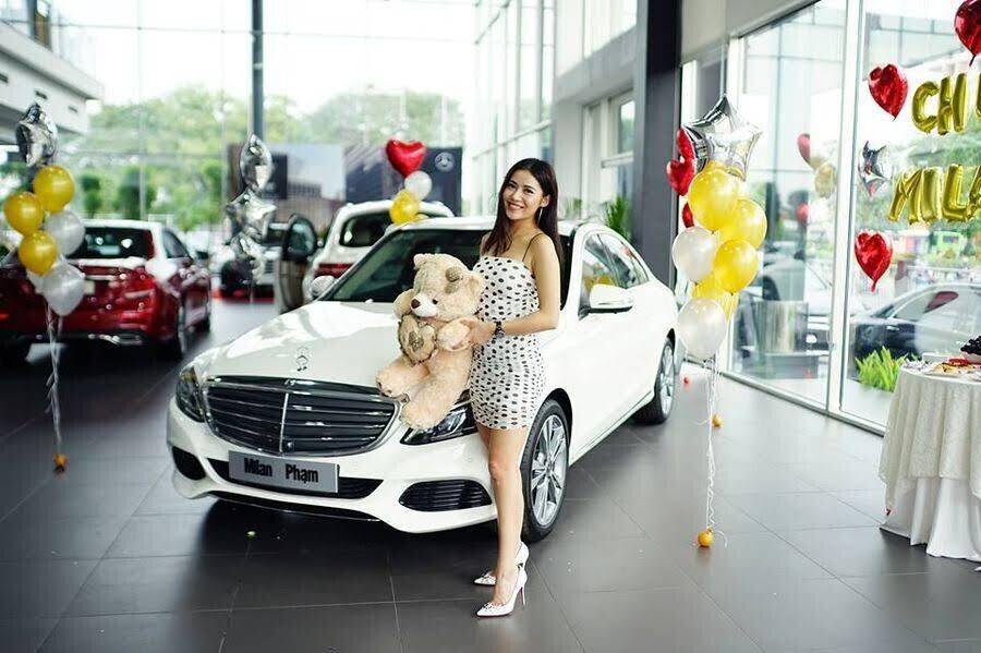 Diễn viên trẻ Milan Phạm chi hơn 1,7 tỷ đồng để rước Mercedes-Benz C 250 về dinh - Hình 5