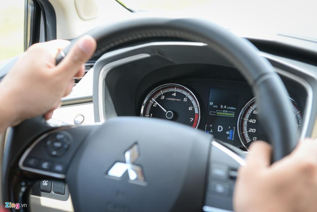 Danh gia nhanh Mitsubishi Xpander - dong co 1.5L yeu hay khong? hinh anh 2